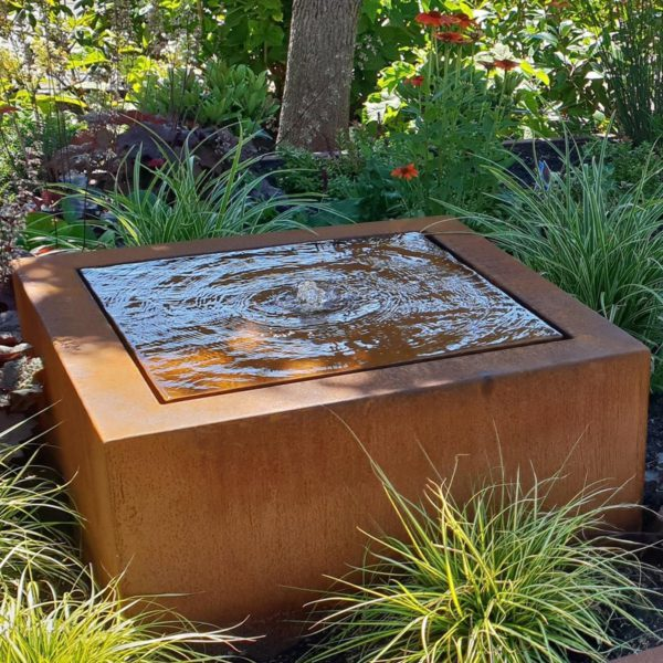 Square Water Table